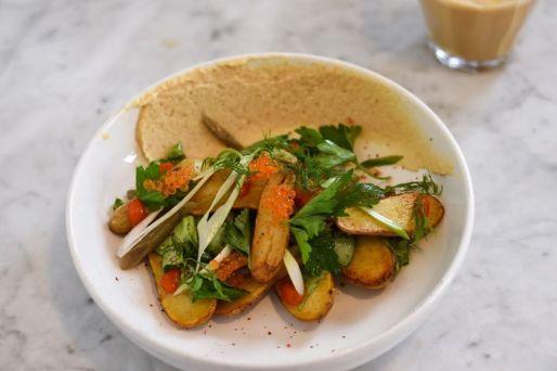 potato with hummus